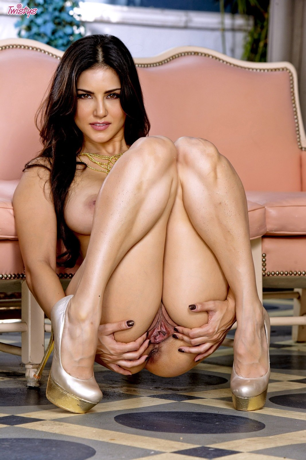 Sunny leone topless information not