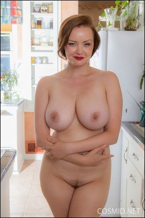 Mature busty woman and younggirl