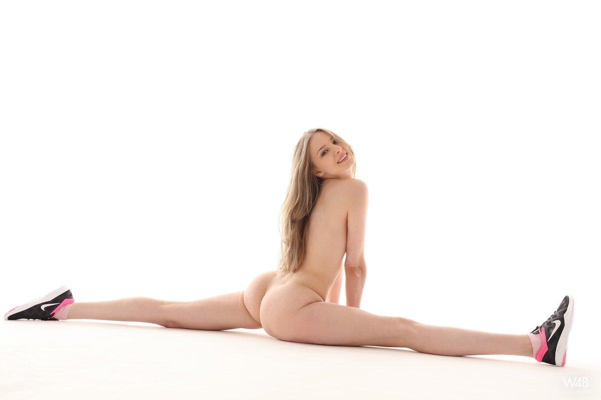 hot naked girl celebrities